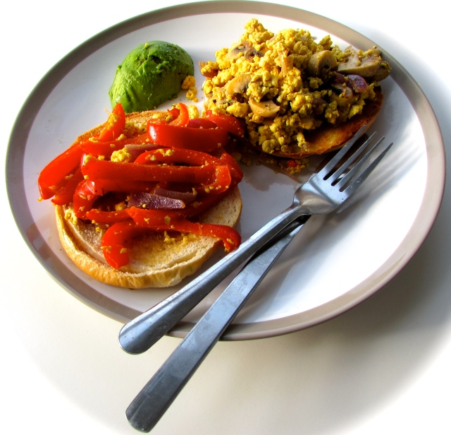 Scrambled tofu with sautéed vegetables